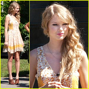 Taylor Swift Makes Maine 'Mine'
