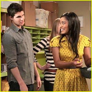 Keke Palmer Casts Some Magic on Robbie Amell
