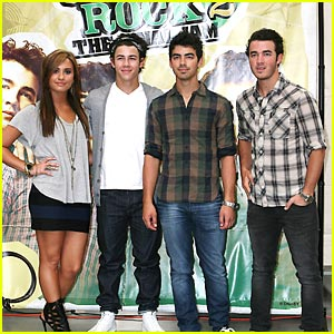 Demi Lovato: Walmart with The Jonas Brothers!