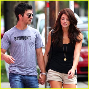 Joe Jonas & Ashley Greene: Happy Birthday Frankie!