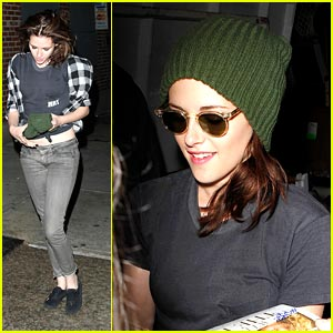 Kristen Stewart: Green Beanie Beautiful