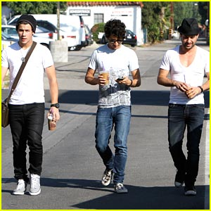 Nick Jonas: Meet Up with Jason Rosen & Michael Bruno!
