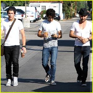 Nick Jonas: Meet Up with Jason Rosen & Michael Bruno!