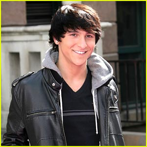 Mitchel Musso: LIVE from Hollywood & Highland TODAY!