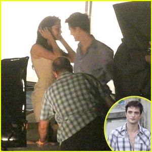 Kristen Stewart & Robert Pattinson Get Romantic in Rio