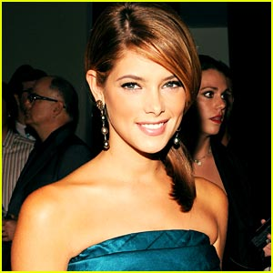 Ashley Greene: Humbled By 'Fashionista' Title