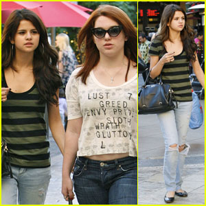 Selena Gomez: Grove Shopping with Jennifer Stone!