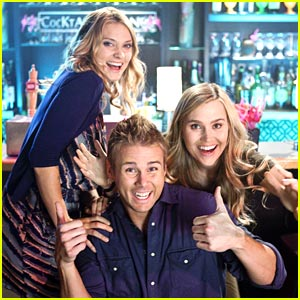 Spencer Grammer: All About The Beav on 'Greek'