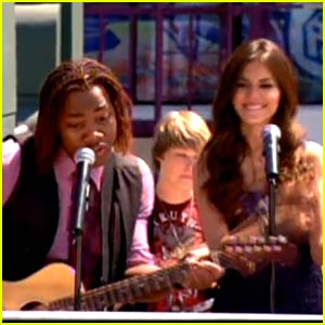 Leon Thomas: Victorious 'Song2You' Preview!