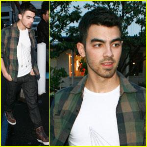 Admirable Joe Jonas Someone Hacked My Twitter Joe Jonas Jonas Brothers Hairstyles For Women Draintrainus