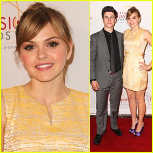Aimee Teegarden: College Emmys with David Henrie!