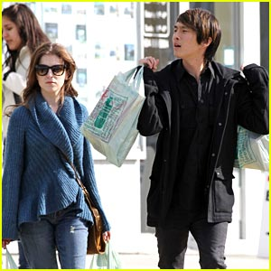 Anna Kendrick & Justin Chon: Grocery Run!