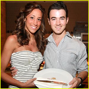 Kevin &#038; Danielle Jonas: Seminole Sweeties
