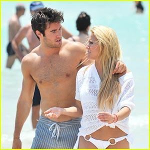 Cassie Scerbo & Joshua Bowman: Miami Mates