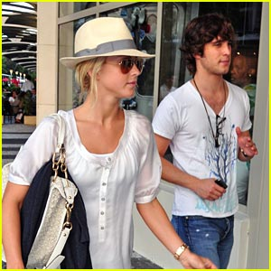 Julianne Hough &#038; Diego Boneta: Let's Go To The Movies