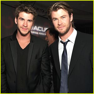 Liam Hemsworth: 'Thor' Premiere with Brother Chris!
