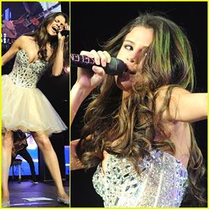 Selena Gomez: Wango Tango Wild!