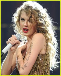 Taylor Swift Writes Inspiration Words on Arm