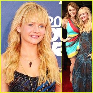Britt Robertson - MTV Movie Awards 2011