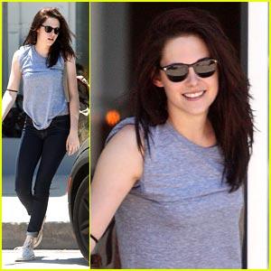 Kristen Stewart Rises For The Movement