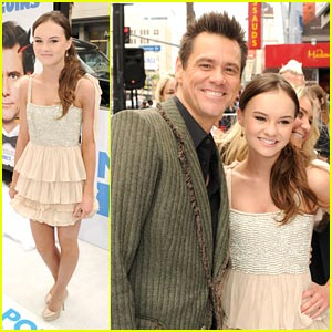 Madeline Carroll: 'Mr. Popper's Penguins' Premiere!