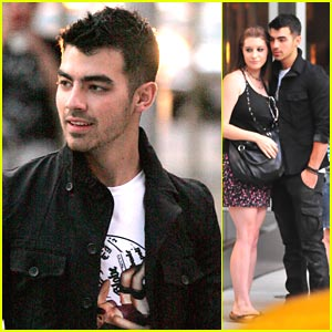 Joe Jonas' Choice Karaoke Song? Anything From 'Grease'!