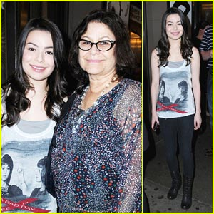 Miranda Cosgrove: 'Book of Mormon' with Mom!