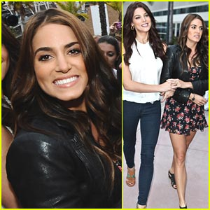 Ashley Greene & Nikki Reed: Breakfast For Breaking Dawn Fans!