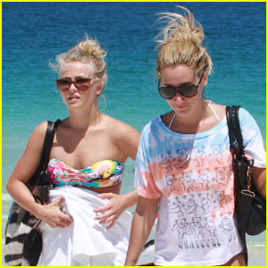Ashley Tisdale &#038; Julianne Hough: Beach Babes!