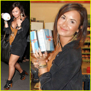 Demi Lovato Is Pinz Pretty