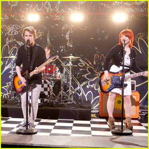 Kicking Daisies on 'So Random' -- FIRST LOOK!