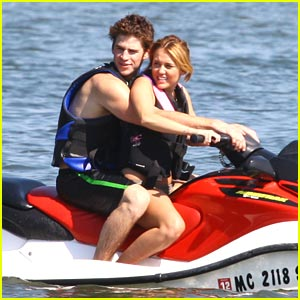Miley Cyrus & Liam Hemsworth Love Orchard Lake