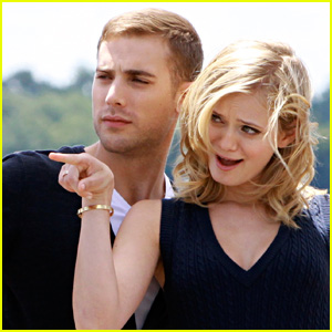 Sara Paxton: Funny Faces With Dustin Milligan!
