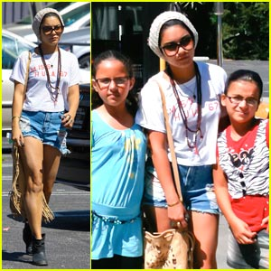 Vanessas Hudgens: Friendly Little Fans