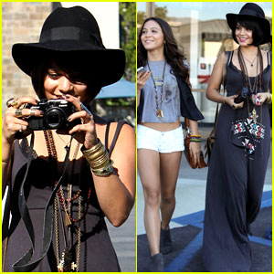 Vanessa Hudgens &#038; Stella: Camera Cuties!