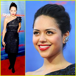 Alyssa Diaz: 'Shark Night 3D' Premiere!