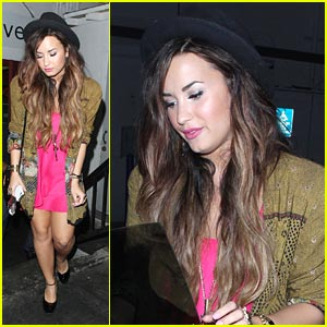 Demi Lovato Gets A 'Crave'-ing