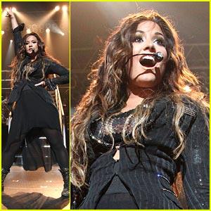 Demi Lovato: Hammerstein Ballroom Concert Pics!