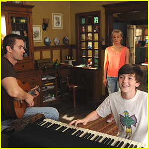 Greyson Chance: 'Raising Hope' Stills -- FIRST LOOK!