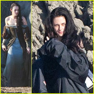 Kristen Stewart Films 'Snow White' on The Beach