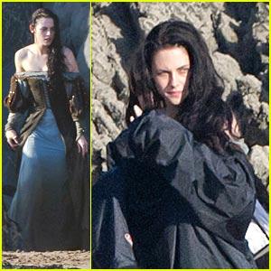 Kristen Stewart Films 'Snow White' on The Beach