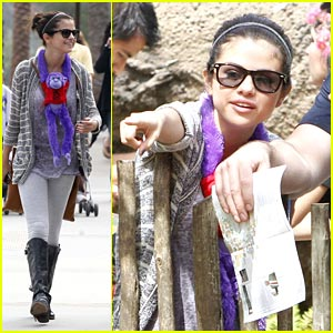 Selena Gomez 'Monkeys' Around at the L.A. Zoo