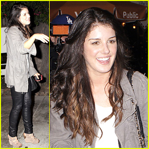 Shenae Grimes: Black Leggings Beauty!