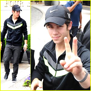 Nick Jonas: Hello, Buenos Aires!