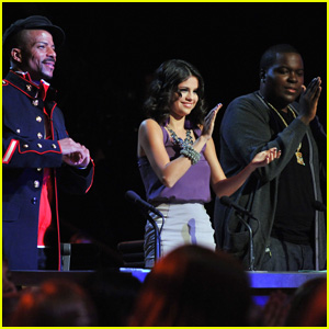 Selena Gomez: 'Make Your Mark' Celeb Guest Judge!