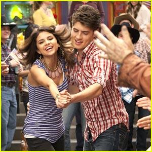 Selena Gomez & Gregg Sulkin: Do-Si-Do Dancers