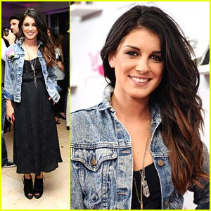 Shenae Grimes is JustFabulous