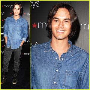 Tyler Blackburn: 'Wendy' in New York City!