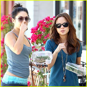 Vanessa Hudgens: Lunch with Kim Hidalgo!