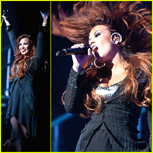 Demi Lovato: Dancing in Detroit!